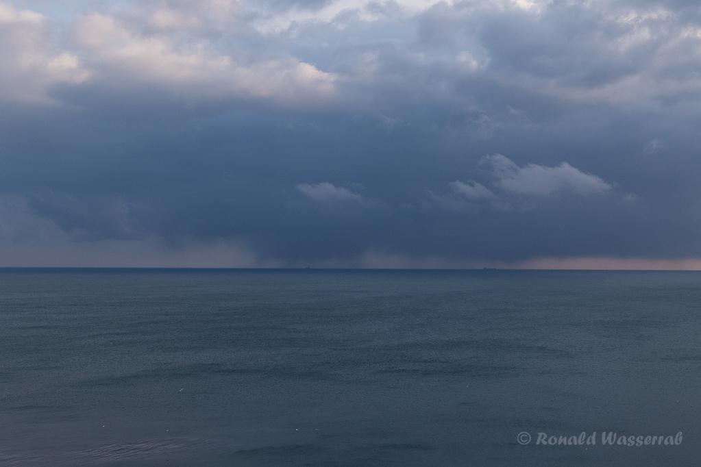 Schlechtwetterfront vor Helgoland