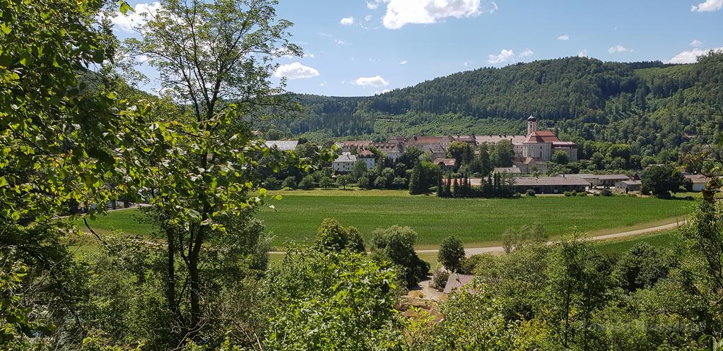 Blick auf Beuron mit der Klosteranlage