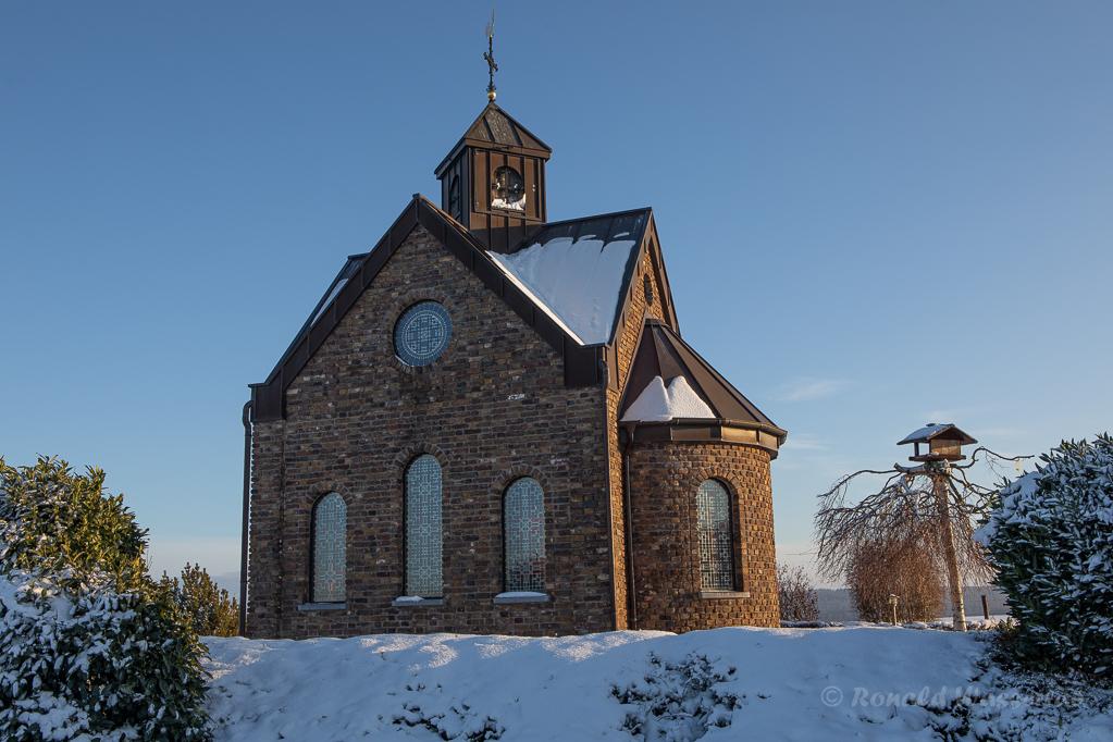 Hubertuskapelle im Schnee