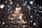 Schneegestöber an der Großhauer Kirche