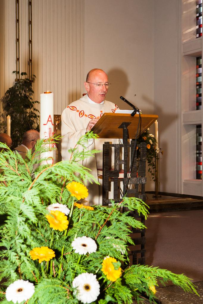 Domkapitular Pfarrer Heinz-Albert Schmitz