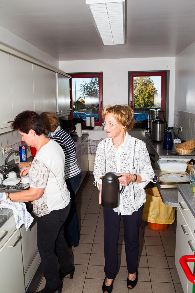 Fleißige Helferinnen in der Küche