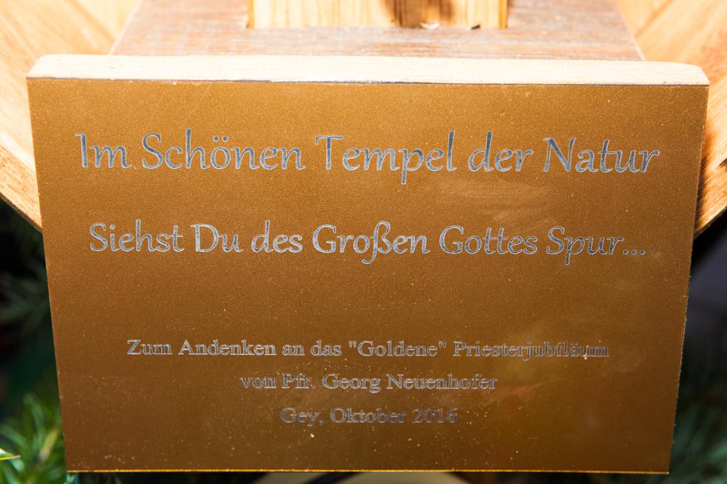 Inschrift des Kreuzes der Ortsvereine