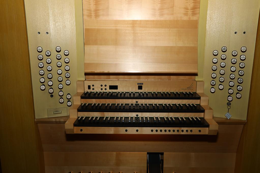 Spielschrank der Klais-Orgel 2272