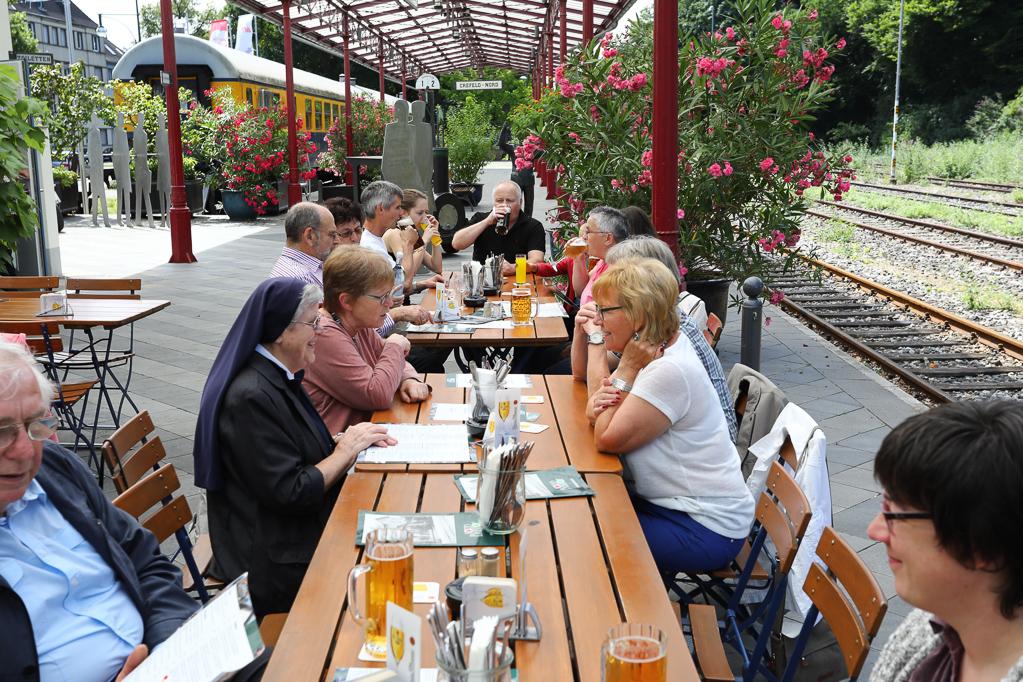 Mittagessen im Nord-Bahnhof Krefeld 2278