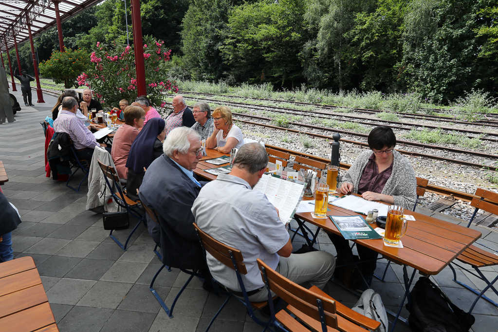 Mittagessen im Nord-Bahnhof Krefeld 2280