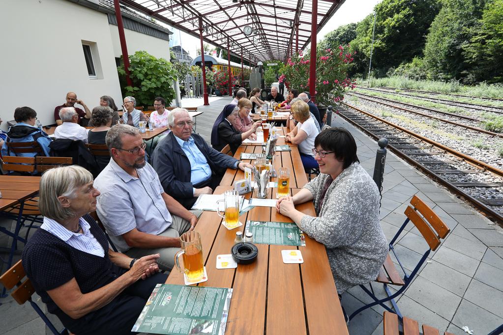 Mittagessen im Nord-Bahnhof Krefeld 2285Krefeld