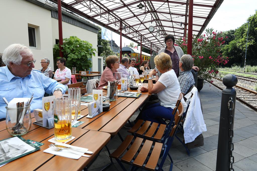 Mittagessen im Nord-Bahnhof Krefeld 2286