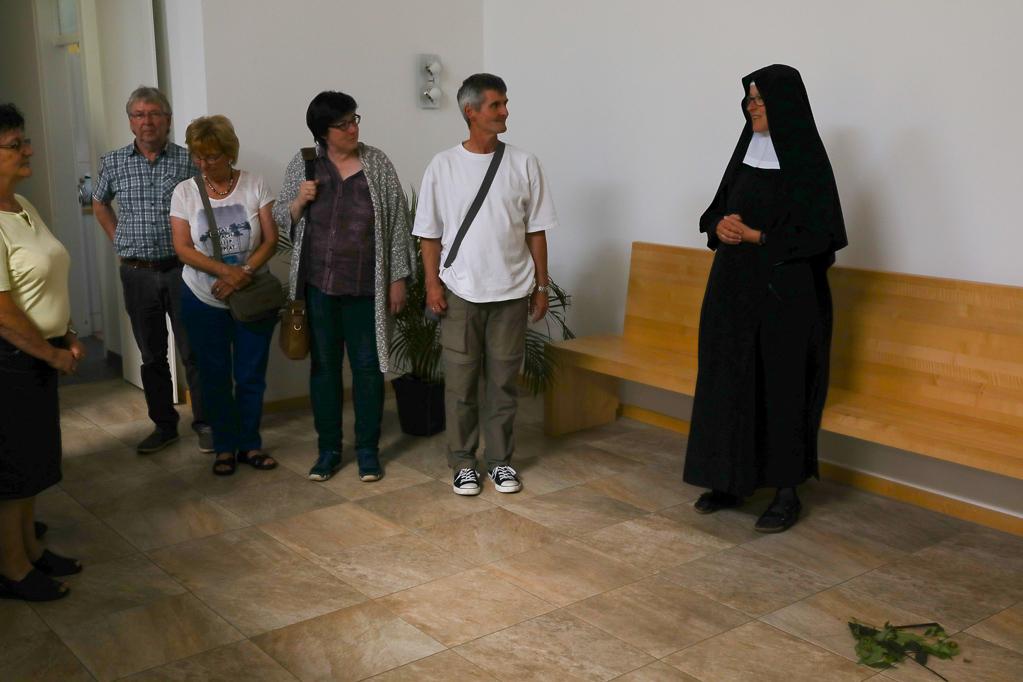 Begrüßung durch Schwester Mirjam OSB 2291
