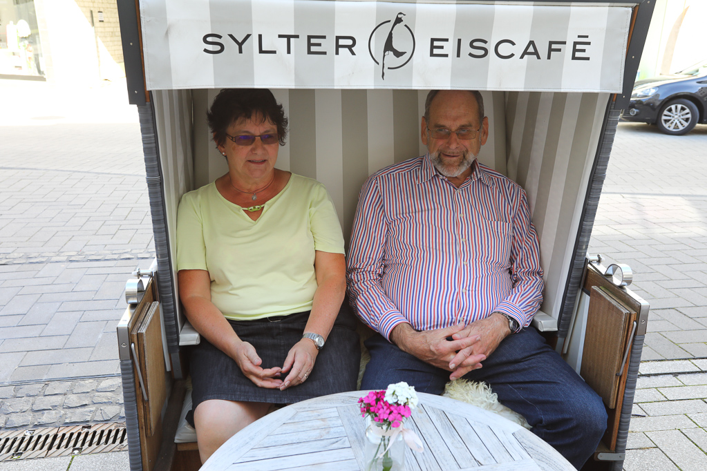 Relaxen im Sylter Eiscafé 2430