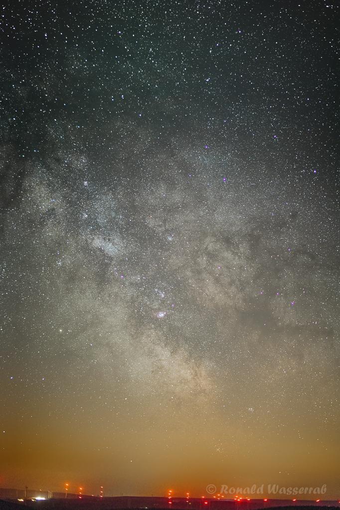 Milchstraßenzentrum - Samyang 50 mm Vollformat, Blende 1.5, ISO 1600, 160 x 5 Sekunden Belichtungszeit