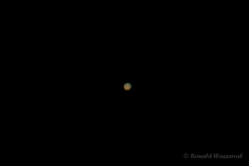Jupiter - 600 mm Brennweite + 1,4x-Konverter an Crop-Kamera = 1344 mm, Blende 5.6, ISO 200, 1/400 Belichtungszeit (Ausschnitt)