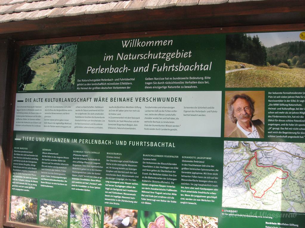 Schild am Parkplatz bei der Perlenbacher (Höfener) Mühle