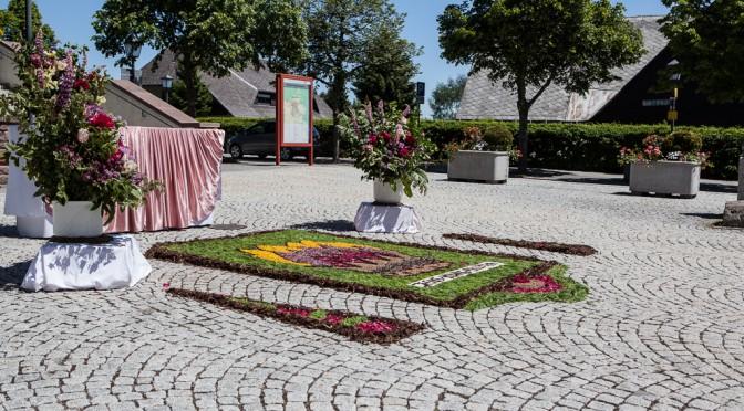 Altar am Kirchplatz