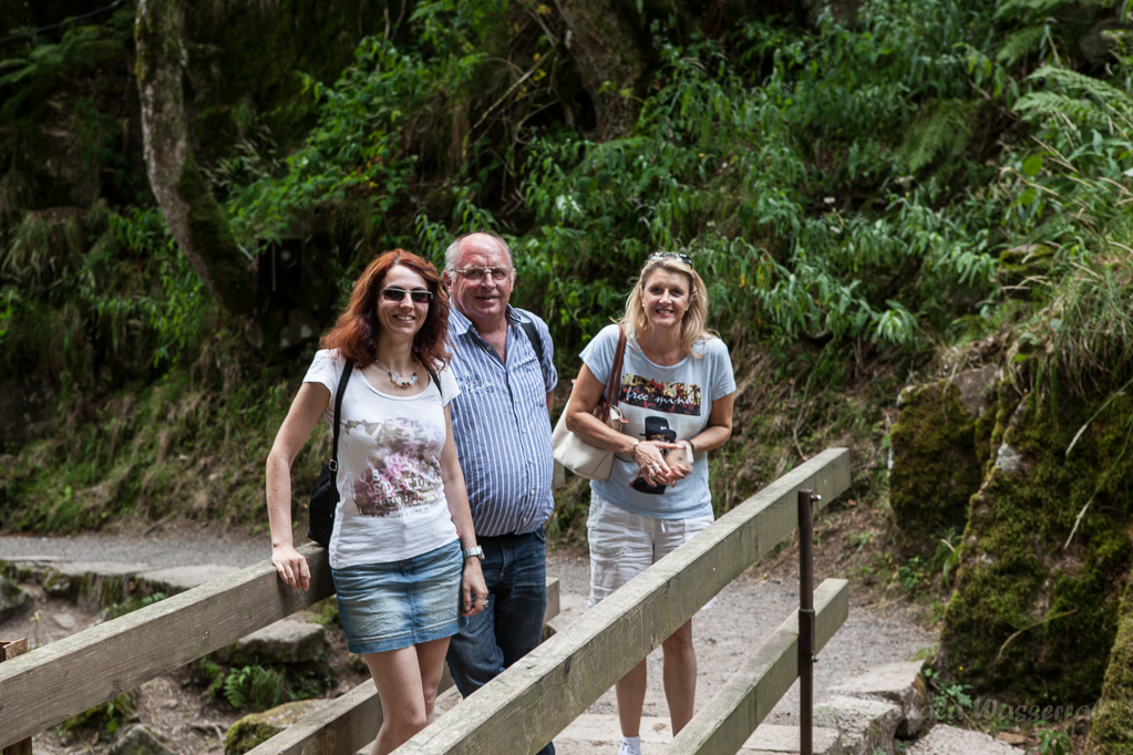 Elke, Peter und Susi am Alb-Fall in Menzenschwand