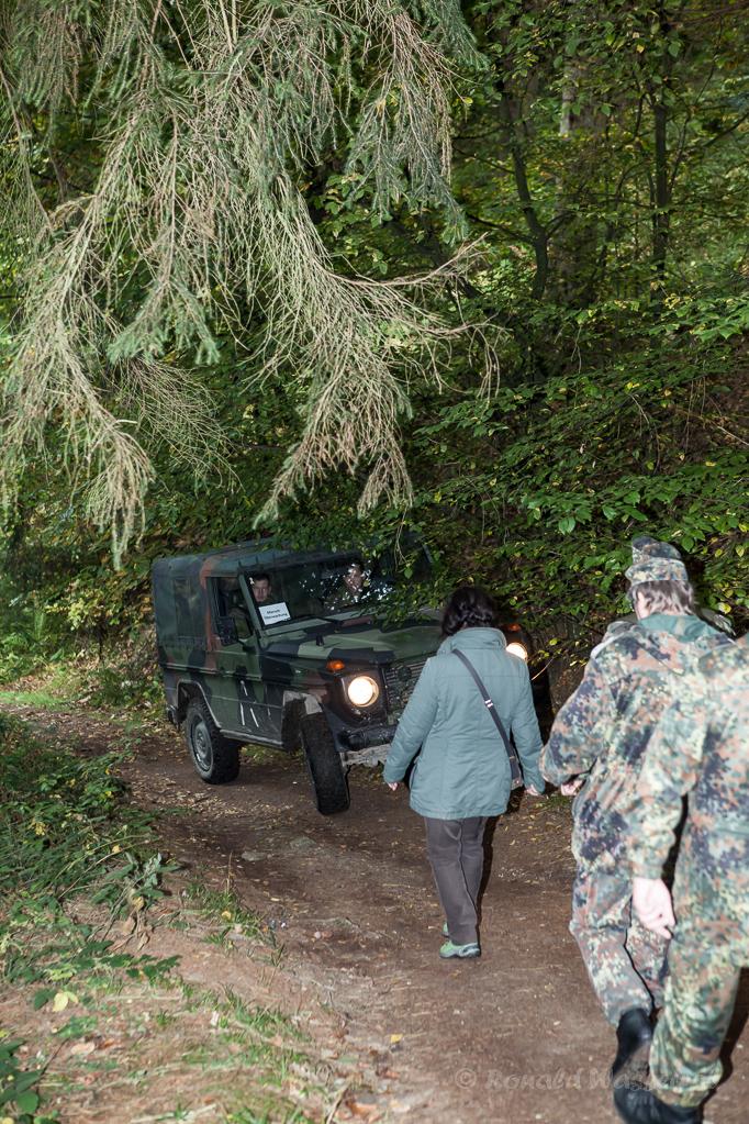 Geländewagen der Marsch-Überwachung