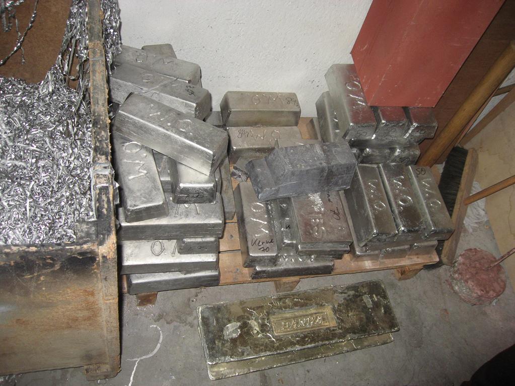 Blei- und Zinn-Barren für die Metallpfeifen