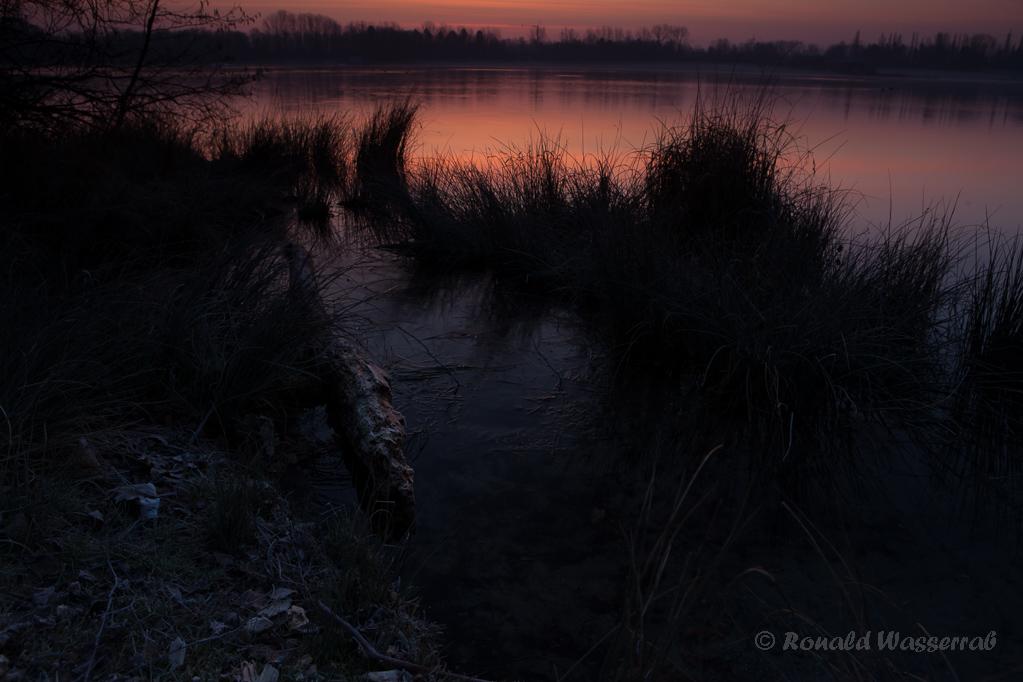 Erstes Morgenlicht vor Sonnenaufgang