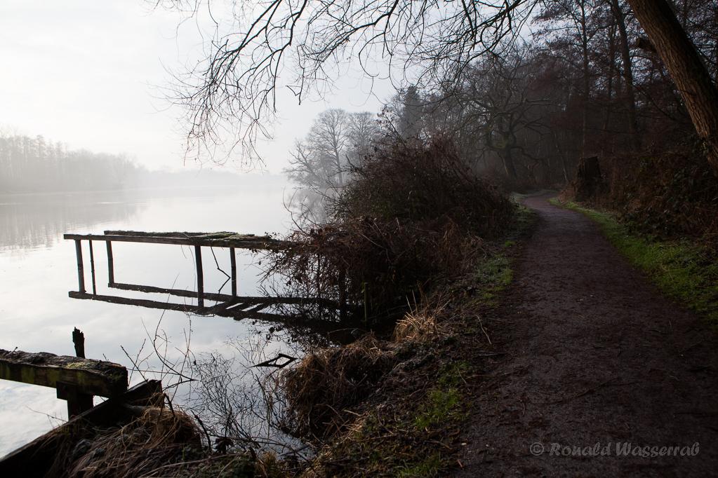 Stege am morgentlichen De Wittsee