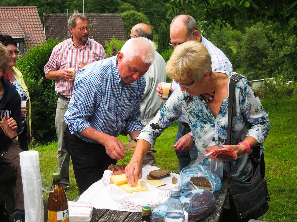 Nicht alles ist Käse, was uns Hildegard und KarlHeinz kredenzen