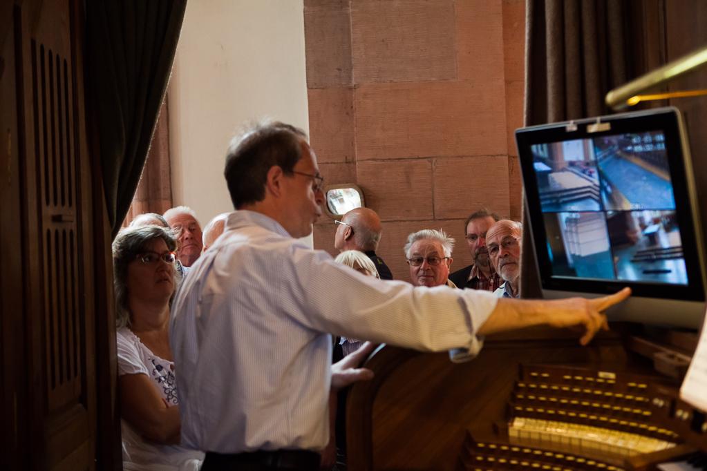 Der Blick des Organisten auf das Geschehen in der Kirche