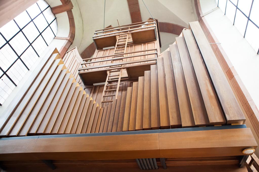 Die Rückansicht der Orgel