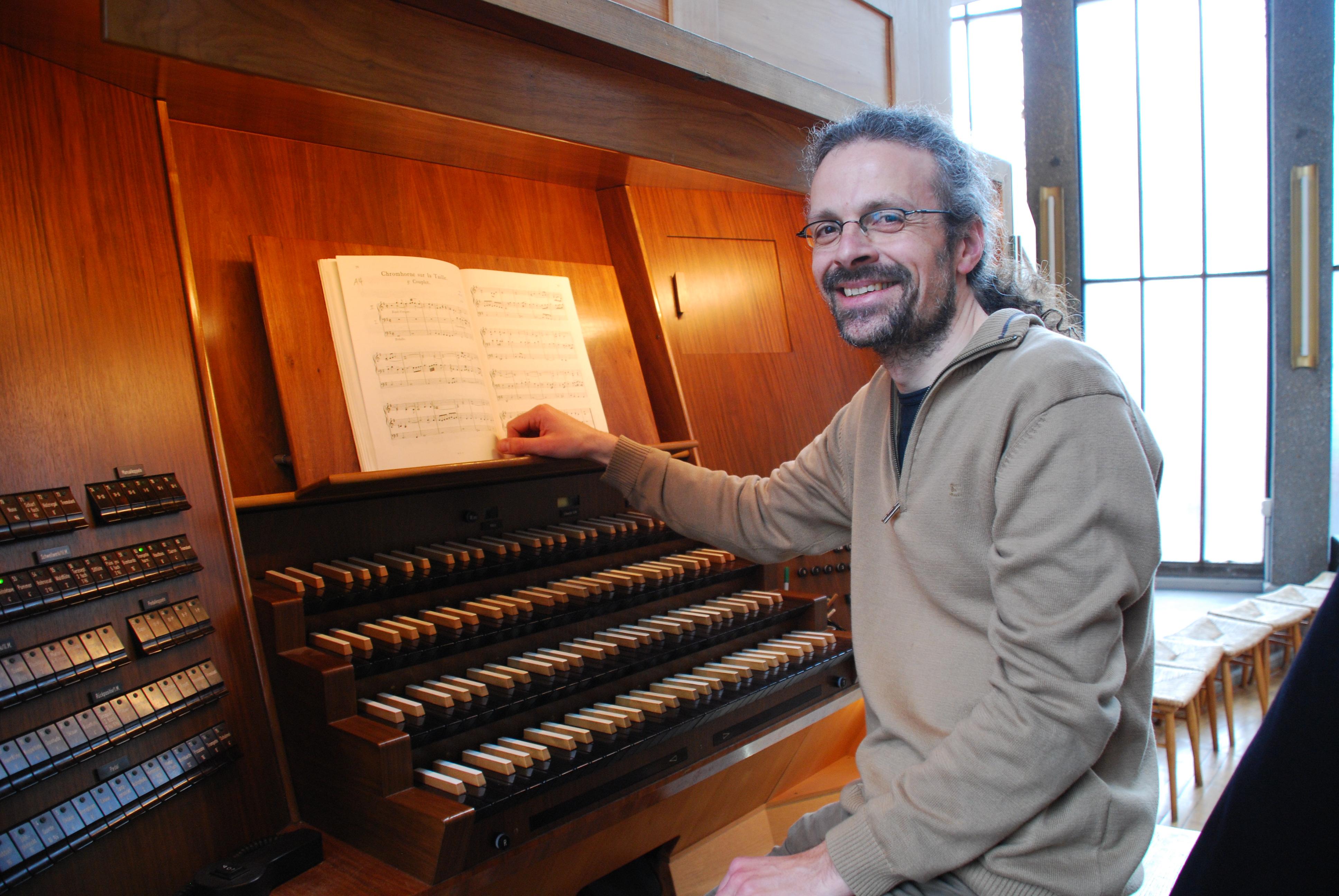 Kann wieder strahlen: Der Herr der Steinmeyer-Orgel: Kantor Stefan Iseke