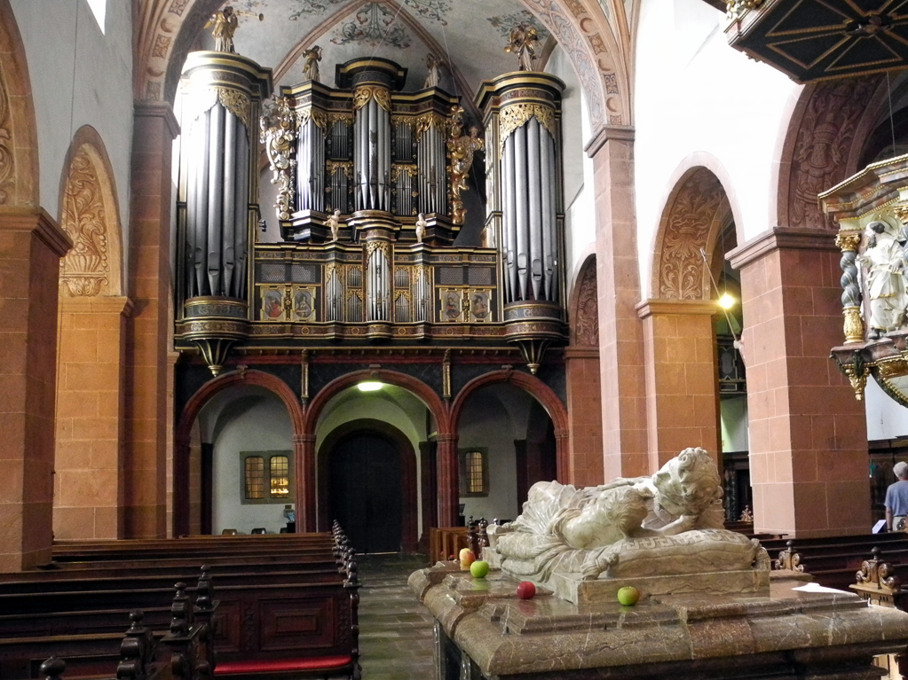 Blick auf die Köenig-Orgel (Foto: Heinz-Dieter Hannes)