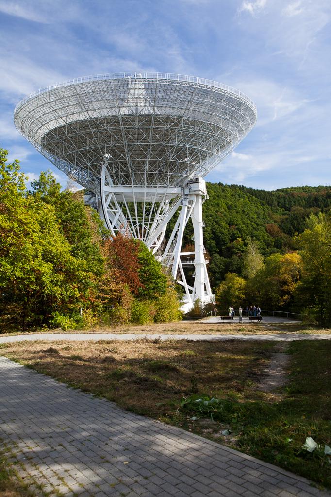 Am Radioteleskop Effelsberg