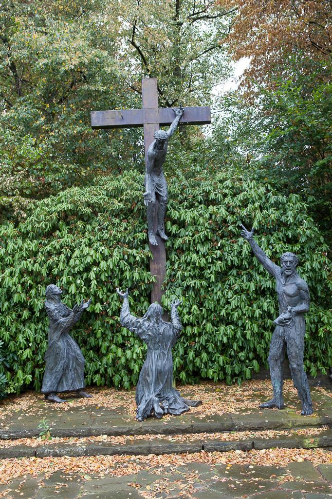 Kreuzigungs-Gruppe von Pater Laurentius Englisch (OFM)