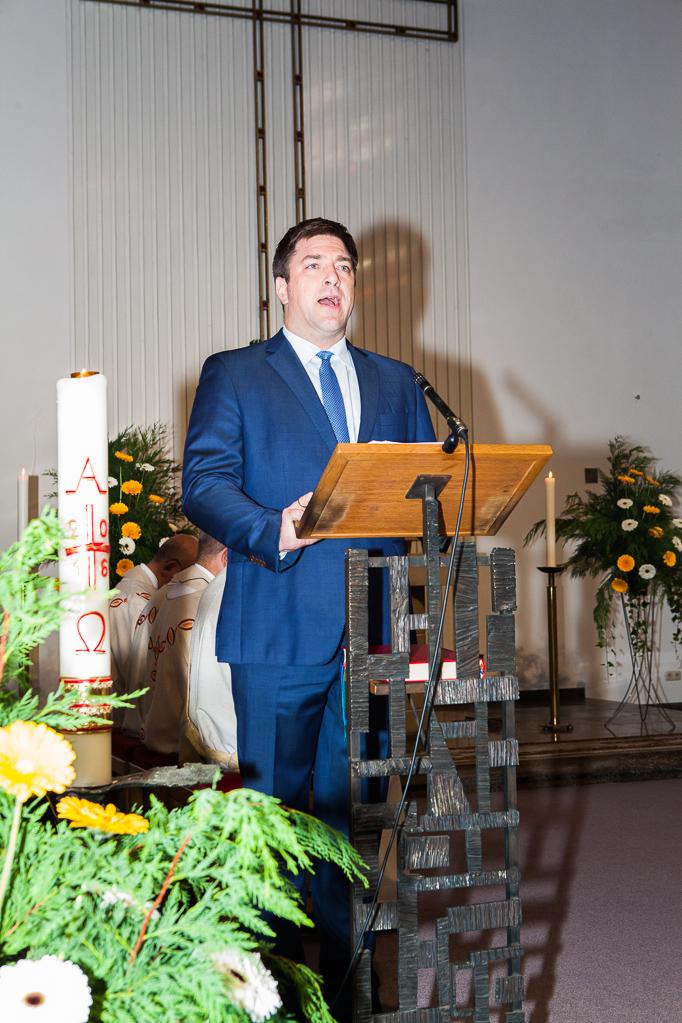 Stefan Grießhaber spricht für den Kirchenvorstand