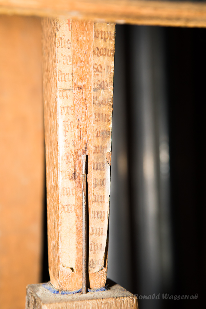 Papierbeklebte alte Pedalpfeife