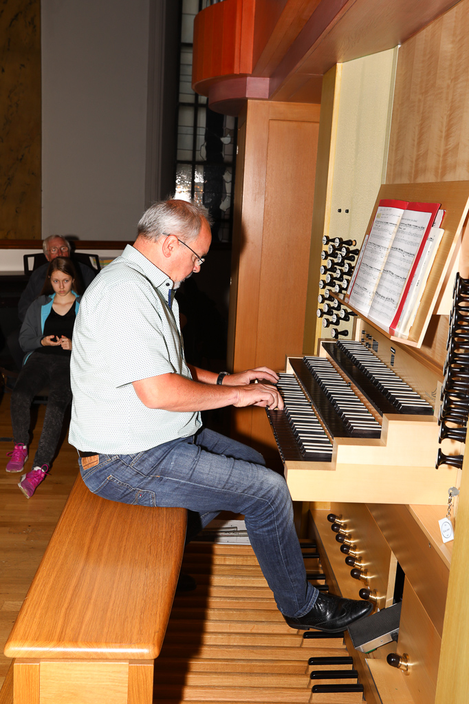 Andreas Cavelius an der Klais-Orgel