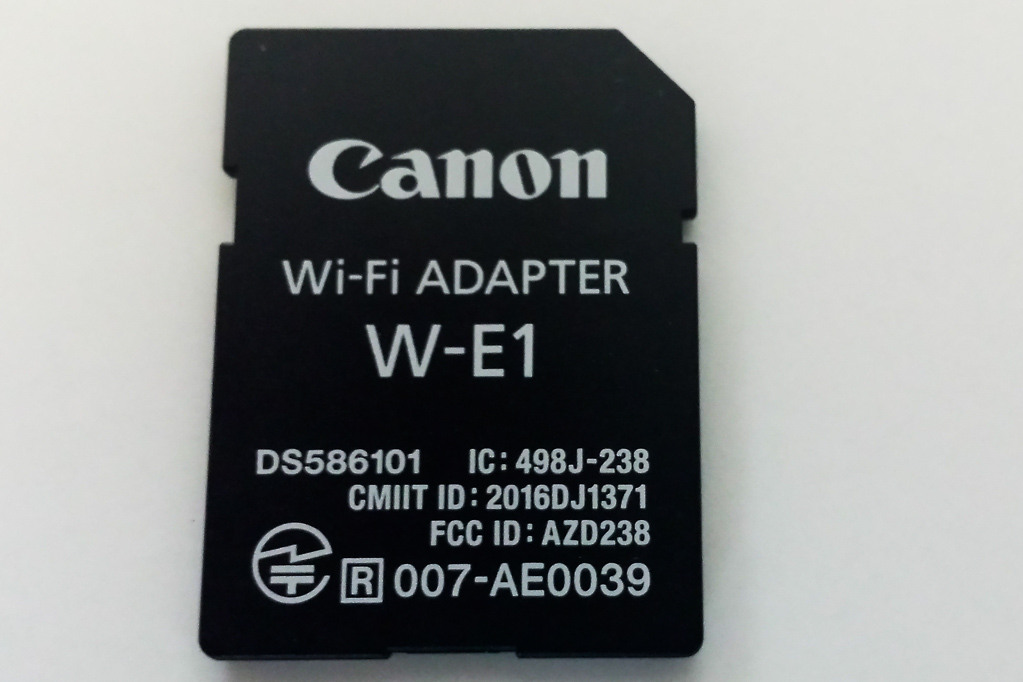 Canon Wi-Fi-Adapter W-E1 für die EOS 7D Mark II