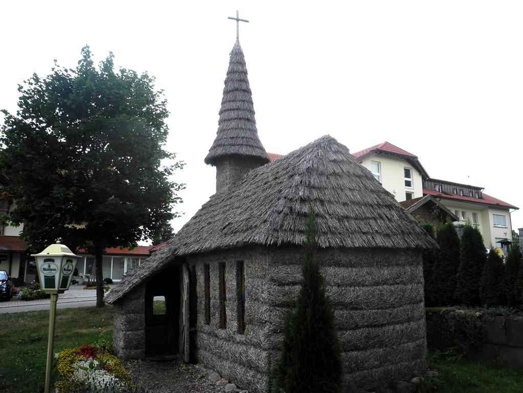 Strittberger Kapelle (Sieger-Strohskulptur 2015) (Foto: Heinz-Dieter Hannes)