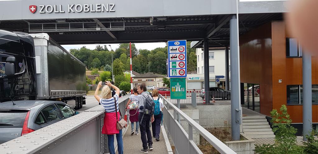 Am Zoll im Schweizer Koblenz
