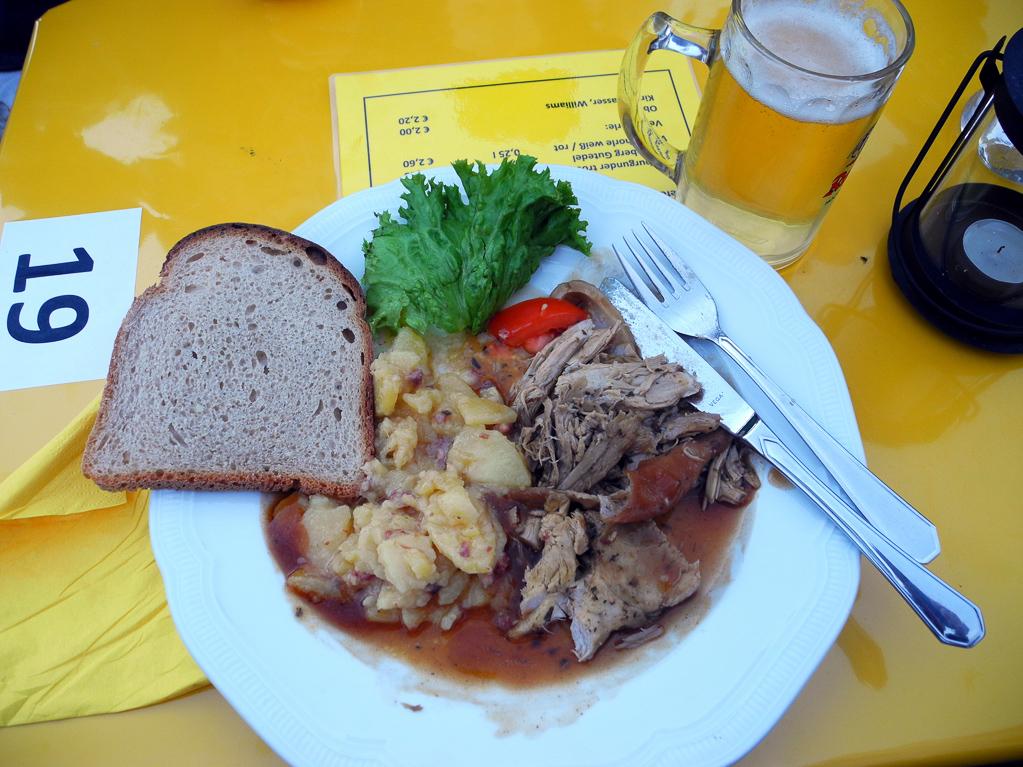 Spanferkel - das ist die kleine Portion! (Foto: Heinz-Dieter Hannes)