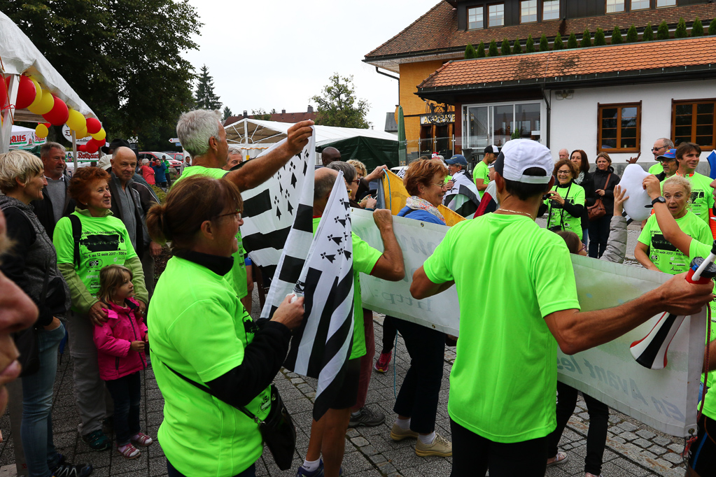 Die Staffelläufer aus Arradon treffen ein