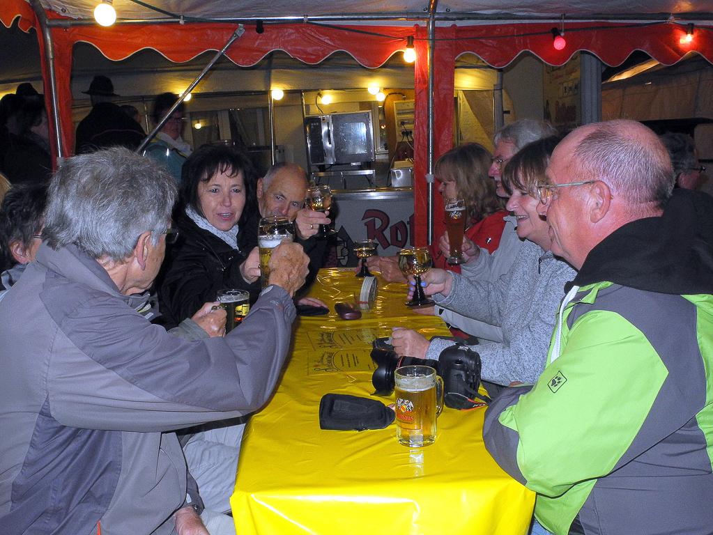 Abends auf der Schlemmermeile (Foto: Heinz-Dieter Hannes)