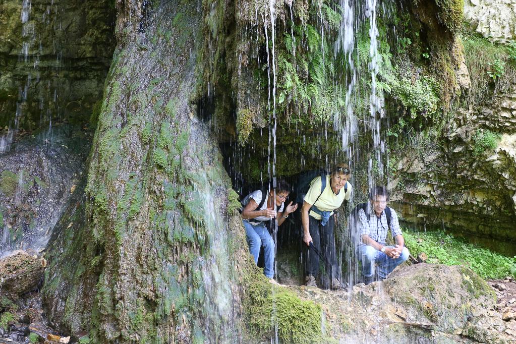 inter dem Wasserfall