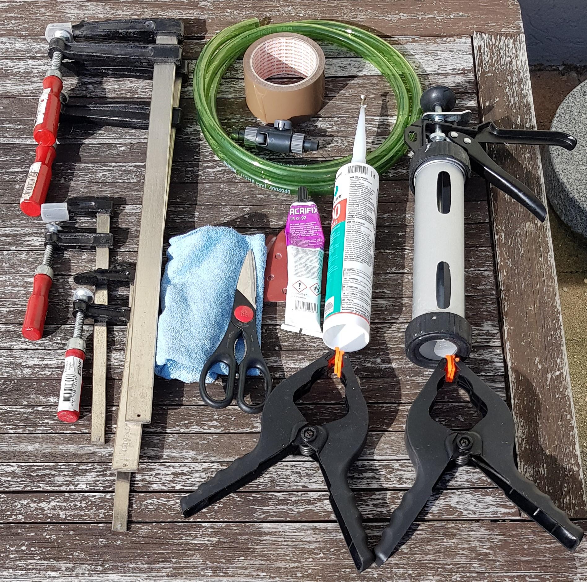 Werkzeuge für den Bau der Tropfenwanne