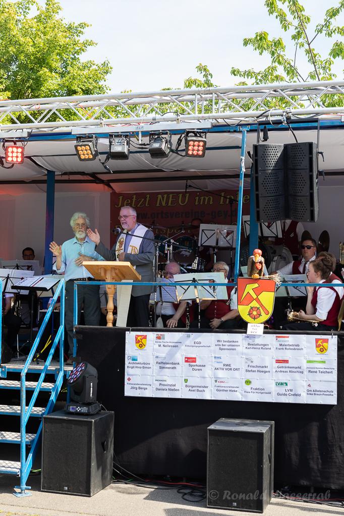 Die Segnung des Helmut-Rösseler-Platzes