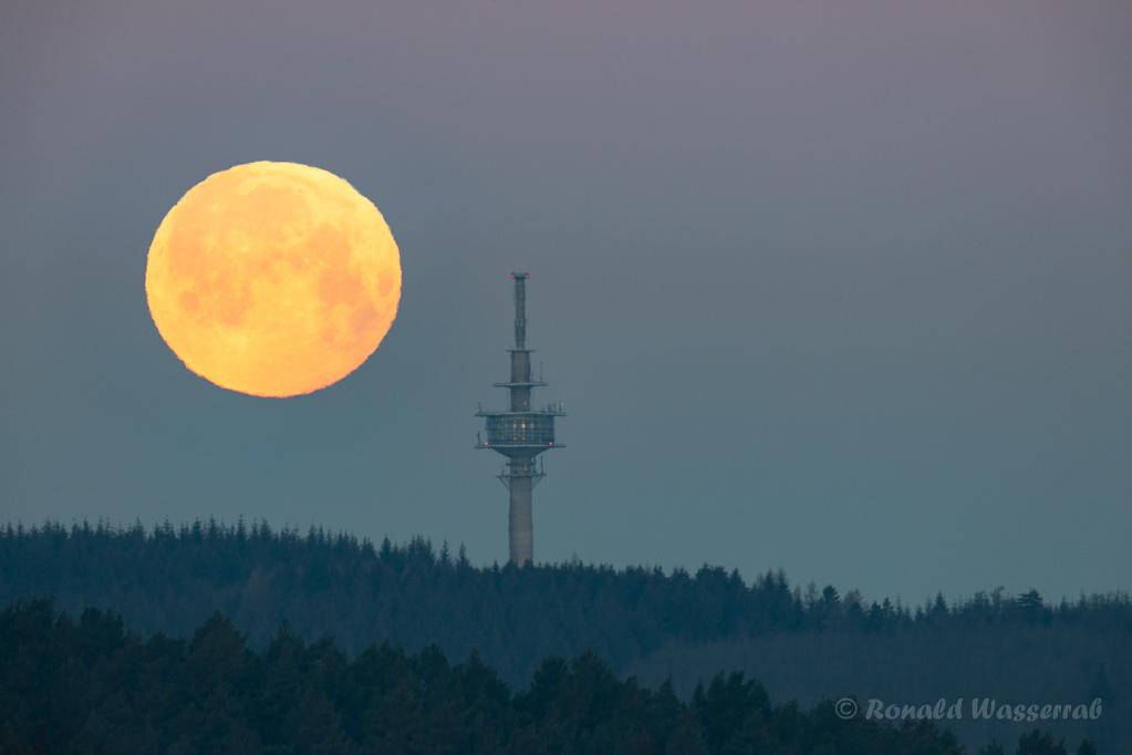 Der Mond wandert schneller, als man glaubt...