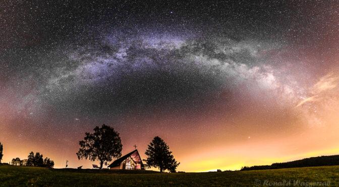 Marienkapelle unter dem Milchstraßenbogen