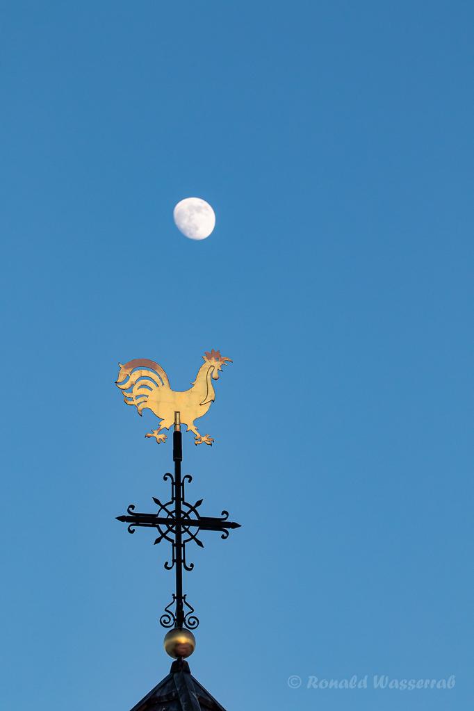 Wetterhahn mit Mond