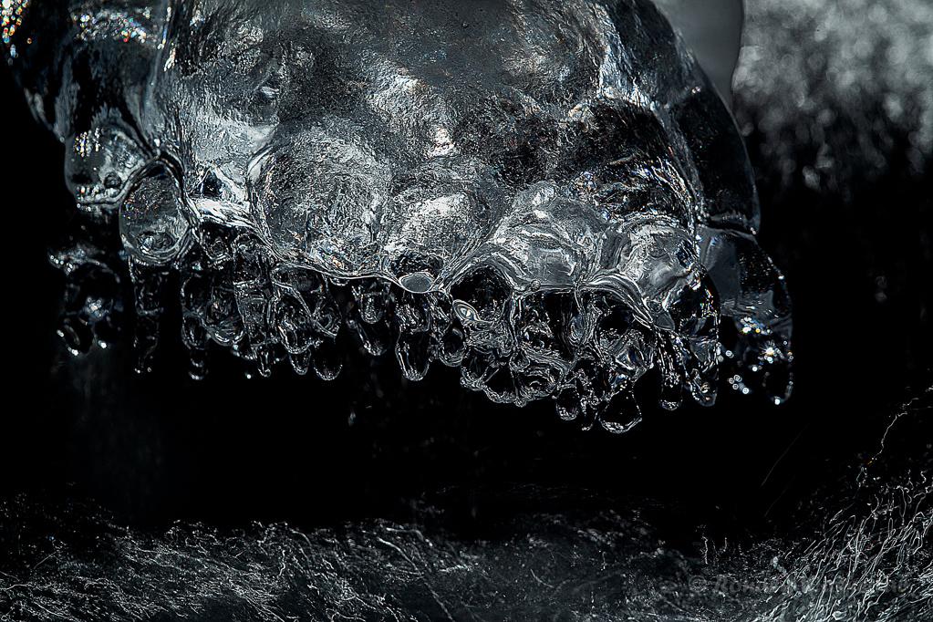 Eisformationen in der Kall
