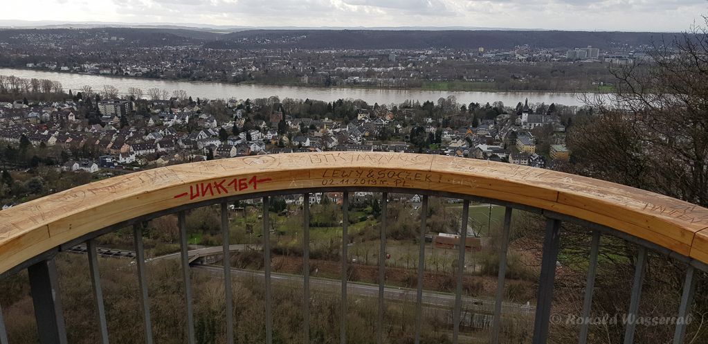 Aussichtsplattform auf dem Rheinhöhenweg