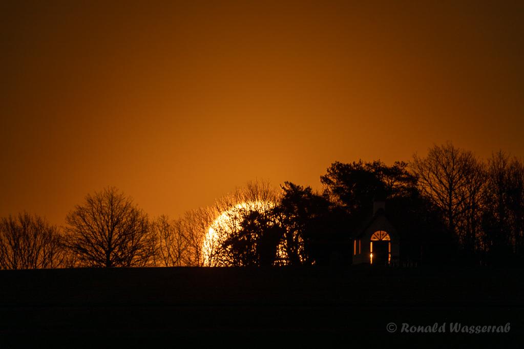 Mondaufgang an der Kottenborner Kapelle