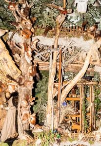 Eichhörnchen, Frischlinge und die Mühle in der Landschaftskrippe Höfen
