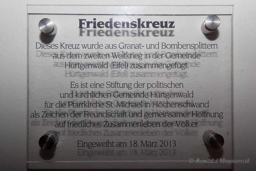 Schild zum Hürtgenwalder Splitterkreuz in St. Michael Höchenschwand